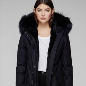 Mackage  Rena-X Fur Lined Twill Parka. Color:Navy Size : S